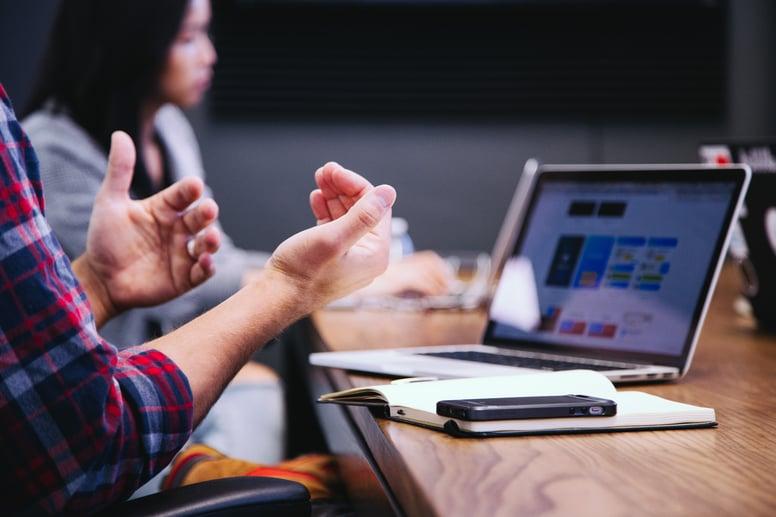 Waarom een CRM systeem? Communicatie tussen sales en marketing verbetert